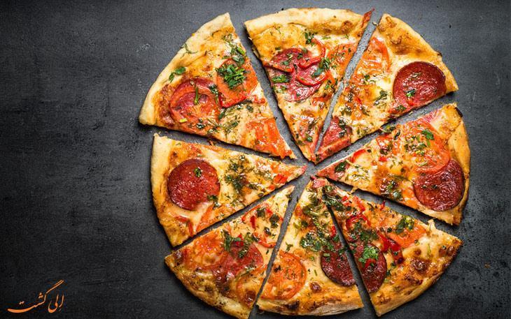 تفاوت بین پیتزا ایتالیایی و آمریکایی چیست؟