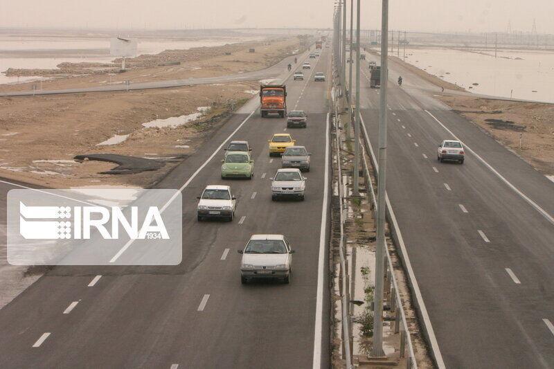 خبرنگاران تردد خودروها در جاده های یزد 65 درصد کاهش یافت