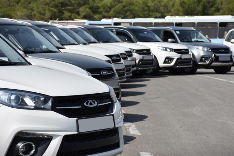 قیمت های کرمان موتور و مدیران خودرو چطور 20 درصد بالا رفت؟