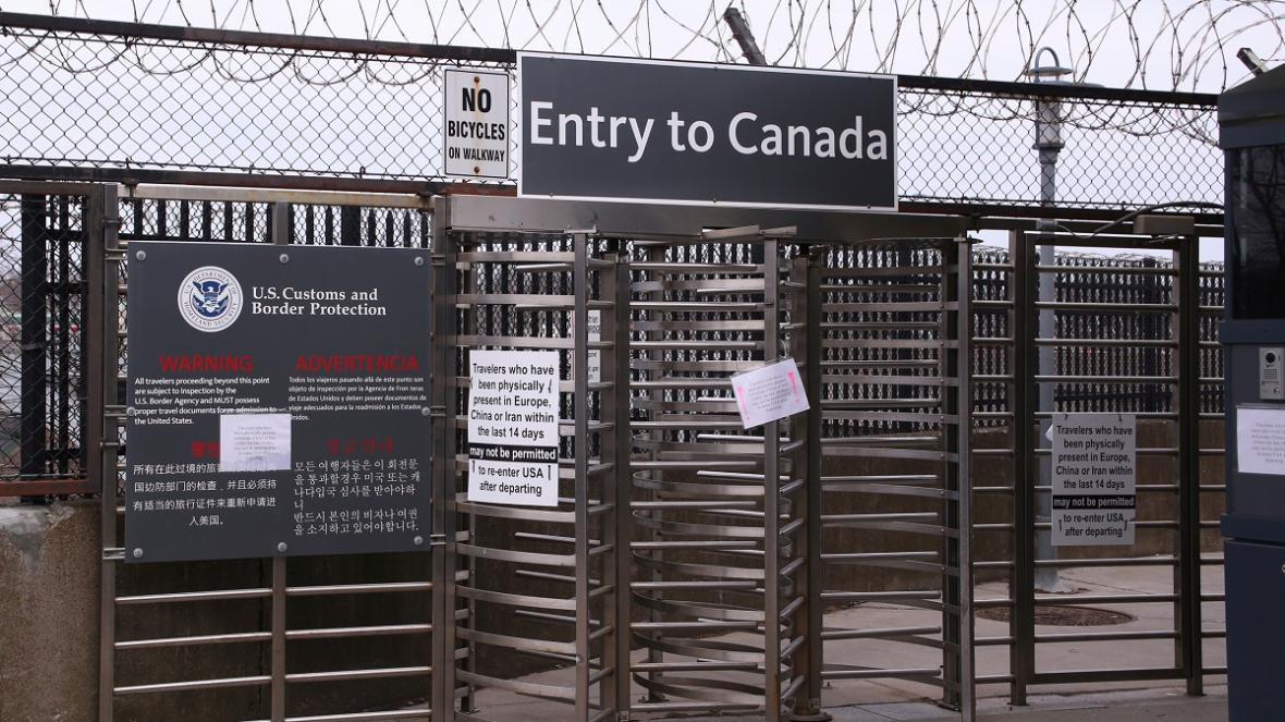 افزایش شمار ماموران بهداشت کانادا در مرز آمریکا برای تست کووید-19و بسته ماندن مرز تا 21 آگوست