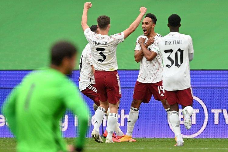 آرسنال با شکست لیورپول اولین جام فصل را گرفت