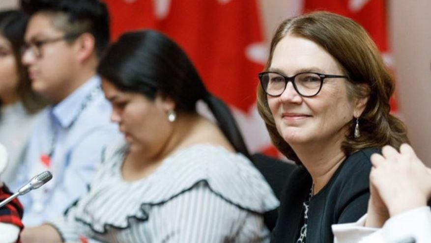 استعفای جین فیلپات، رئیس خزانه داری کانادا از کابینه