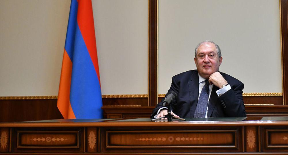 خبرنگاران رئیس جمهوری ارمنستان خواهان استعفای دولت پاشینیان شد