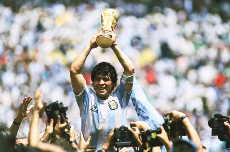 (تصاویر) درگذشت دیگو آرماندو مارادونا؛ انتها یک اسطوره