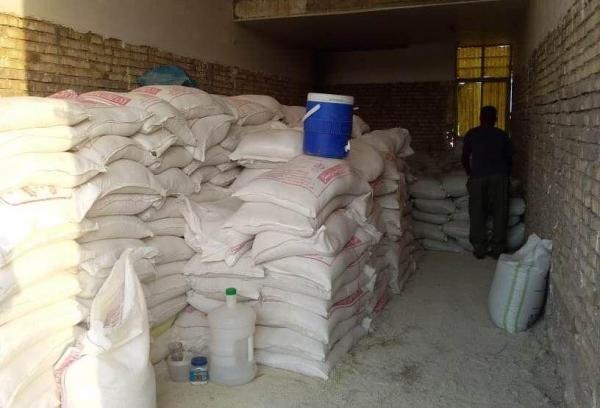 خبرنگاران 30 تن کود شیمیایی قاچاق در الیگودرز کشف شد