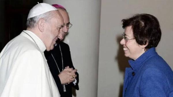 سنت شکنی پاپ؛ اولین زن به شورای کلیسای کاتولیک راه یافت