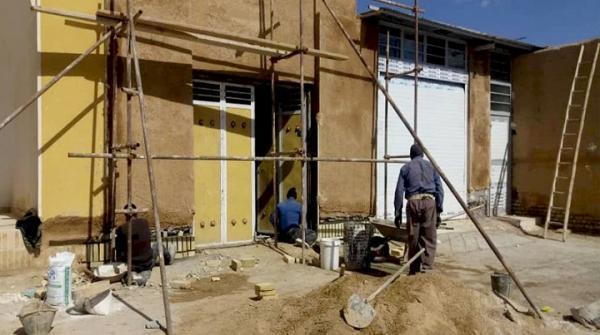 بازسازی و سامان دهی خانه های تاریخی روستای صادق آباد ابرکوه با همت مالکان