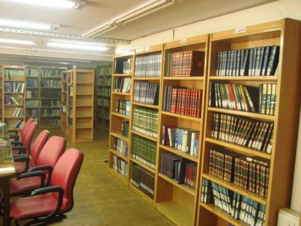 خبرنگاران ساخت کتابخانه مرکزی فردیس برای اختصاص زمین معطل مانده است