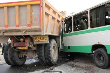 تصادف اتوبوس با کامیونت و پژو در محور تهران - ساوه
