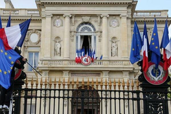 تور فرانسه: فرانسه سفرایش از آمریکا و استرالیا را فراخواند